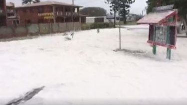 """Snow"" appears to fall from the sky in Sarina as a result of Cyclone Debbie."