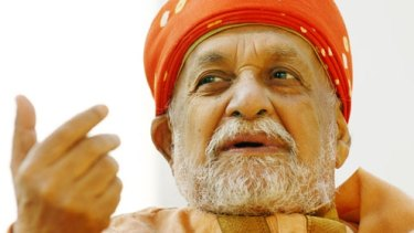 Leader: Swami Satyananda Saraswati personally selected Akhandananda Saraswati to run the Australian yoga ashram.