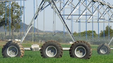 Critics say the winding up of AGL's irrigation trial prove it to be a failure.