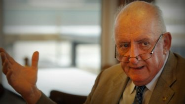 Former deputy prime minister Tim Fischer is spruiking for better train services in Victoria's west.