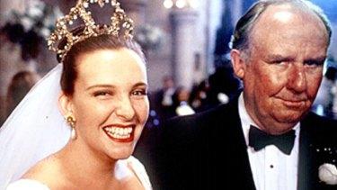 Toni Collette and Bill Hunter in the 1994 original.
