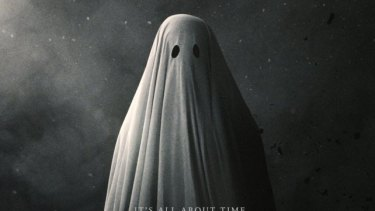 <i>A Ghost Story</i> conjures a moving reflection on memory and the passage of life into death.