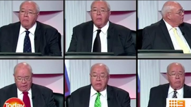Laurie Oakes takes on the bookies and wins by changing his tie six times during election program.
