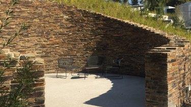 Indoor/outdoor elegance at TarraWarra Estate.