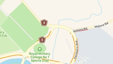 Seven months after opening, the Majura Parkway doesn't show up on Apple Maps.
