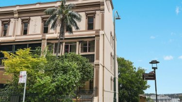 No.1 Lower Fort Street sold for nearly $7 million.
