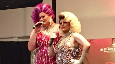 Christina and Shalita perform at The Palace Hotel in Broken Hill.