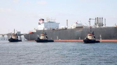 Tug boat strike to shut eastern ports
