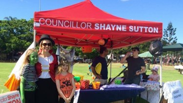 Labor councillors, such as Shayne Sutton, typically have red gazebos.