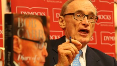 Julian Assange said former foreign affairs minister Bob Carr lied about the level of consular assistance offered to the WikiLeaks founder.