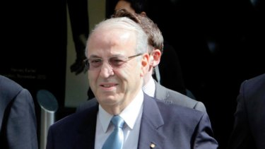 Eddie Obeid arriving at the ICAC hearing flanked by his lawyers  in 2013.