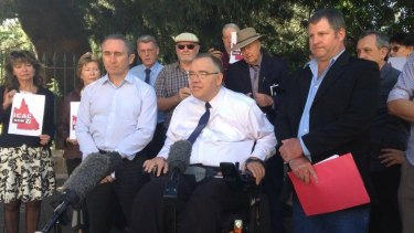 Member for Cairns Rob Pyne calls for an Independent Commission Against Corruption.