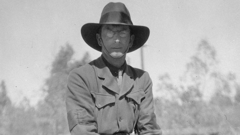 Charles Bean pictured near Mena Camp in Egypt prior to departure to Gallipoli. Courtesy of the Australian War Memorial.