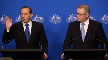 Tony Abbott has shown a total lack of frankness and leadership in communicating fate of the Sri Lankan asylum seekers.