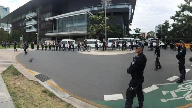 A large number of police are waiting for the protesters at Kurilpa Point.