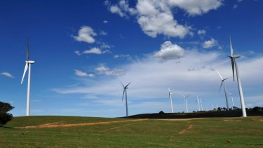 Treat wind farm noise like other industries, Rob Stokes says.