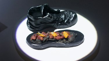 Can visuals change the way we taste? This dish at Paco Roncero's Sublimotion suggests so.