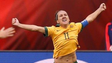 "Canberra United coach Rae Dower says Lisa De Vanna is a ""winner""."