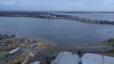 A 6PR listener sent a photograph into the station showing a slick along the Swan River.