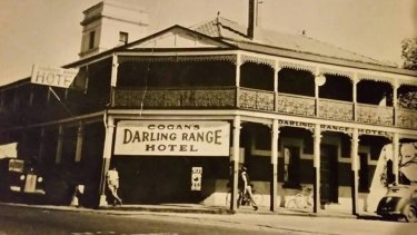 The Darling Range Hotel in its earlier days.