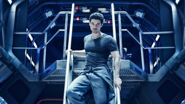 Steven Strait as Jim Holden in The Expanse.