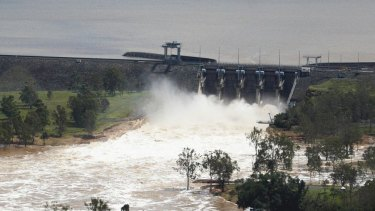Engineer slams Qld govt plan giving dam owners new powers
