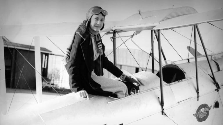 Maude 'Lores' Bonney was a pioneering aviator.