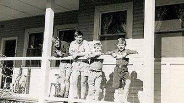 The Bayliffs at Fairbridge Farm blue house.