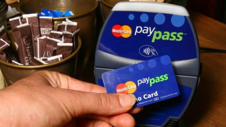 A MasterCard PayPass terminal.