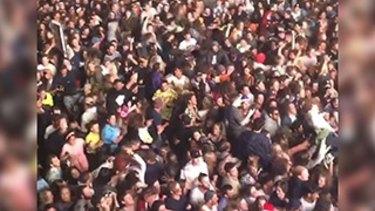 Falls Festival crowd in Lorne, December 2016.