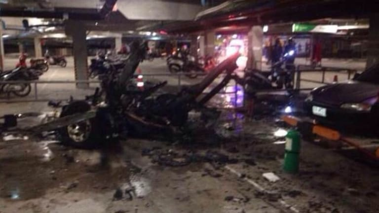 Some 10 people were injured when a car bomb exploded in the basement of a shopping mall in the popular tourist resort of Koh Samui in Thailand overnight.