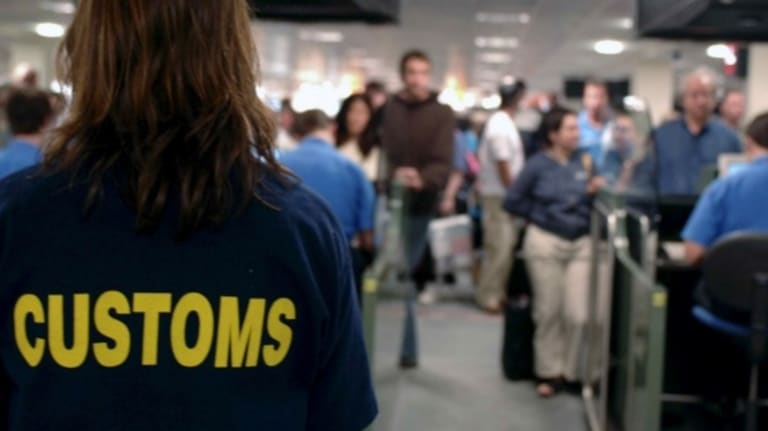 Man sues after Customs over texts sent from his phone.
