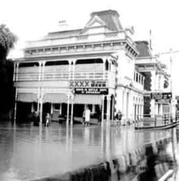 The Breakfast Creek Hotel is struck by the 1974 flood.