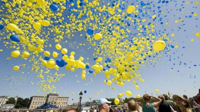 A bunch of hen celebrate Sweden's national day in Stockholm.
