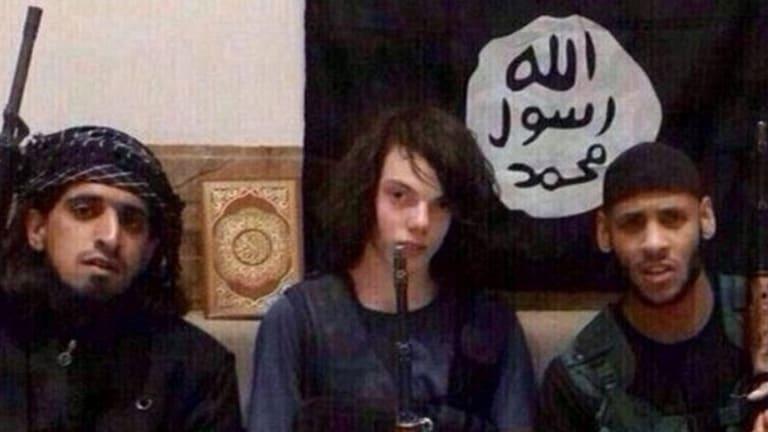 The young Australian Jake Bilardi alongside two Islamic State members.