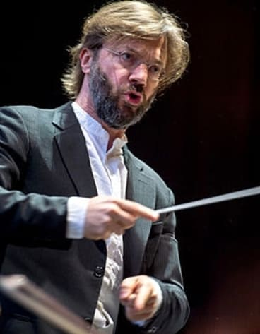 Conductor Andre de Ridder led two light-filled works in the Mozart Symphony No.34 and Ravel's G Major Piano Concerto.