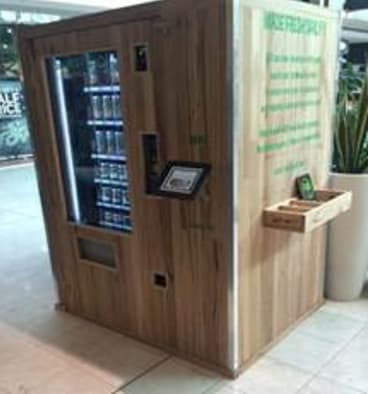 A fresh food vending machine, has made its debut at Melbourne's Westfield Doncaster mall. FuD is a dispensary food retailer, made of recyclable materials and provides healthy salads and snacks.