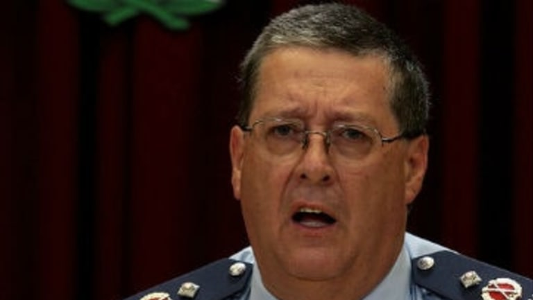 Queensland Police Commissioner Ian Stewart defends police chase policy