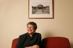 Agnes Nieuwenhuizen