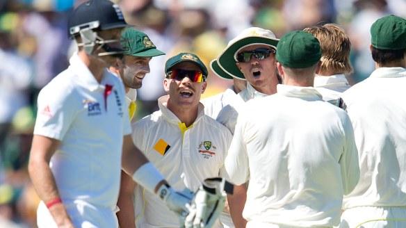 Australian cricketers David Warner and Peter Siddle verbal England batsman Joe Root in 2013.