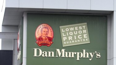 Woolworths has been given approval to develop a Dan Murphy's store in Darwin.