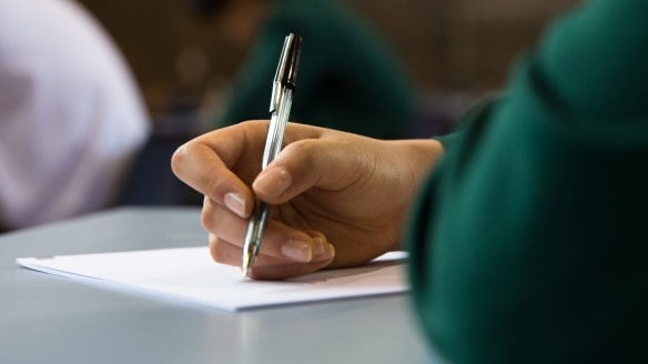 Teachers 'infuriated' by proposed year 1 literacy and numeracy tests