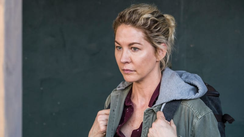 Didn T You Used To Be Dharma Jenna Elfman Joins Fear The