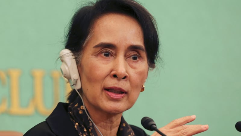 aung san suu kyi criticised as myanmar denies army killed rohingya muslims fleeing rakhine. Black Bedroom Furniture Sets. Home Design Ideas