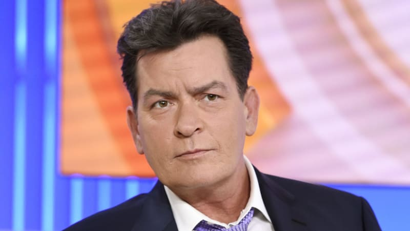 Hiv Positive Charlie Sheen Paid 35K To Have Sex With Male And Female Porn Stars-2861