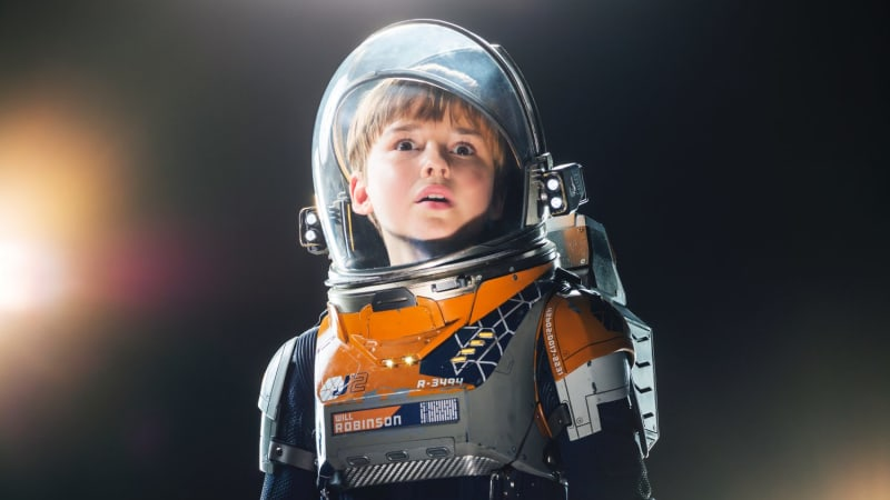 Danger Will Robinson Netflix S Lost In Space Sends