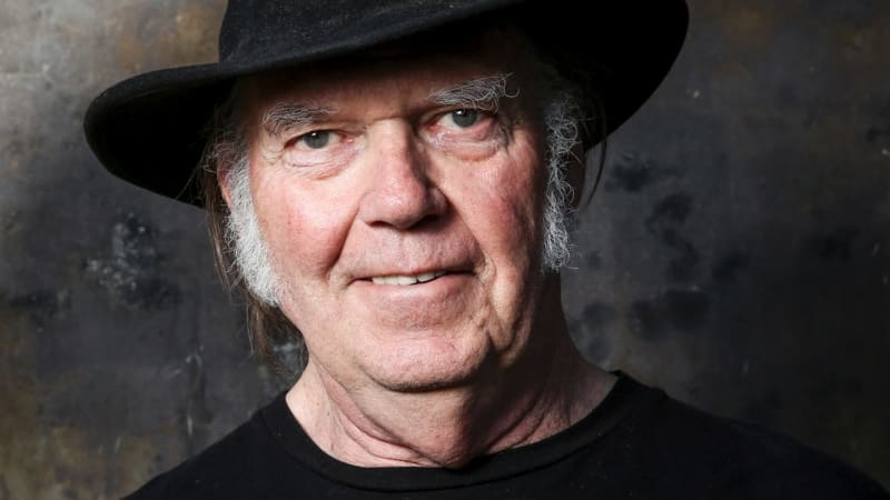 neil young pulls out of australia new zealand 2017 tour. Black Bedroom Furniture Sets. Home Design Ideas
