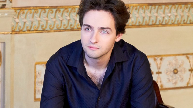 Piano duo the fresh young faces of Russian music