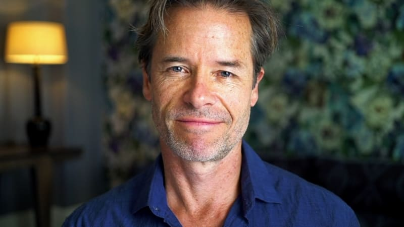 Guy Pearce S Directing Debut Gets Funding So Does Neighbours Show That Launched Him