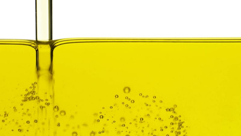 Cooking with vegetable oil releases toxic chemicals linked to cancer